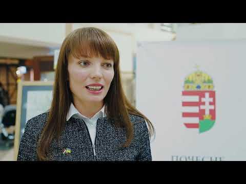 """У ТРЦ """"Подоляни"""" відкрили унікальну виставку копій старовинних карт України"""