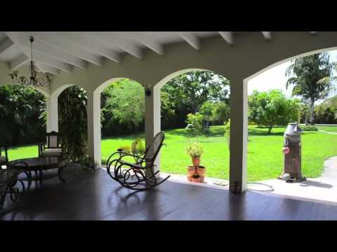 Van Engelen Curacao: Beautiful plantation house style villa for sale on almost 4000m2 lot