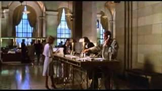 Hold-Up ( J-P Belmondo ) - Le Clown et le Maire