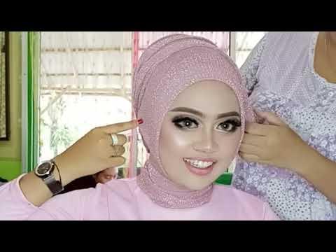 Assalamualaikum teman-teman.. sesuai request kalian, kali ini aku bikin tutorial hijab ala aku kemarin.. Semoga kalian suka....