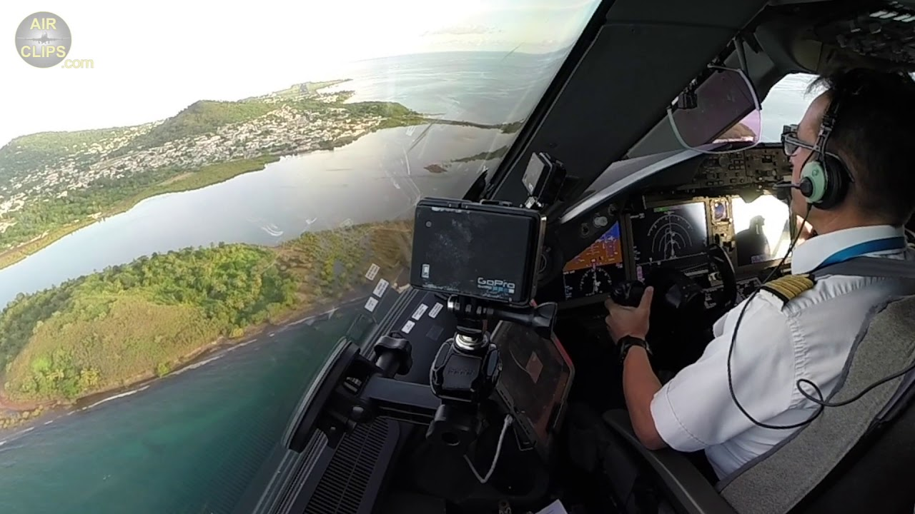 World's MOST BEAUTIFUL Boeing 787 Approach!!! Air Austral into Mayotte Island!! [AirClips]