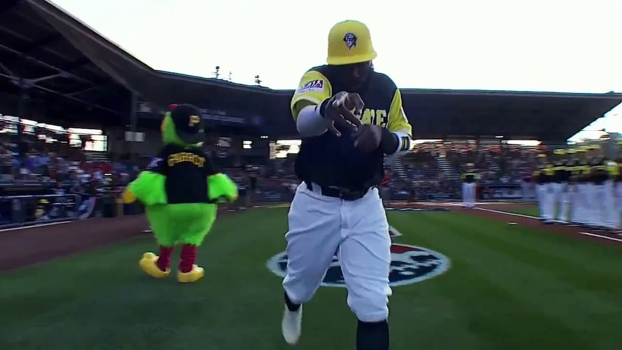 f2829b96da2 MLB Little League Classic 2017 - YouTube