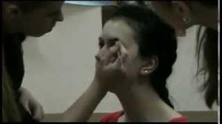 Брови видео. Как красить брови?(Из этого видео вы узнаете как красить брови, как сделать коррекцию бровей. Используется пудровый карандаш..., 2013-12-06T12:10:06.000Z)