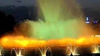 Поющие фонтаны в Барселоне(Ежедневно вечером в Барселоне можно любоваться этим замечательным шоу., 2007-08-14T18:44:18.000Z)