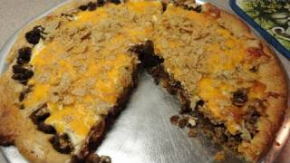 Easy Crescent Roll Taco Pie