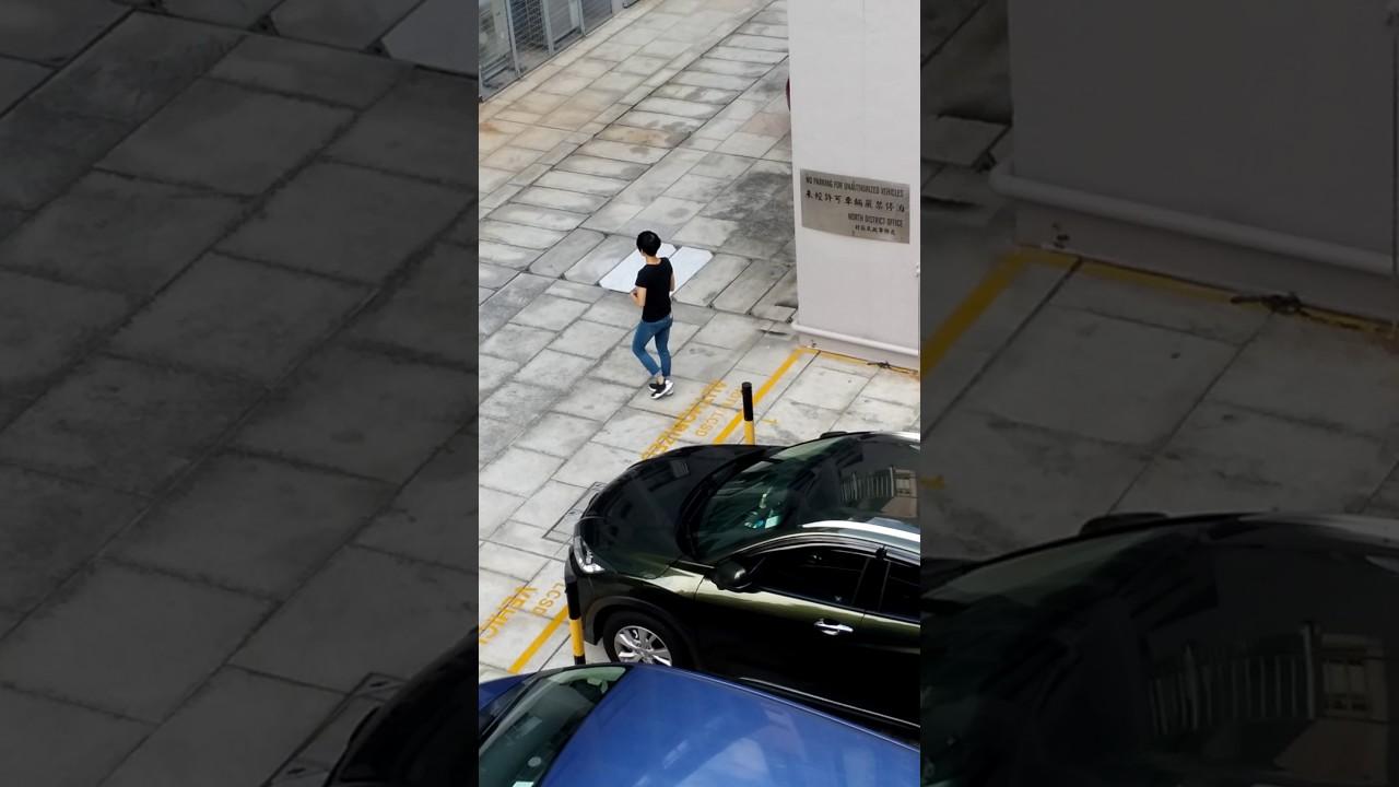康文署高級公務員專用車位菲傭政府水抹車 - YouTube