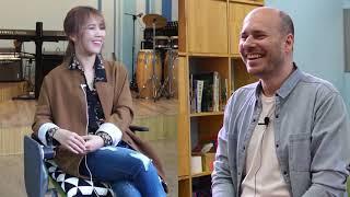 Download lagu So Hyang Ses Genişliği ve Sahnede En Önem Verdiği Konuları Anlatıyor !
