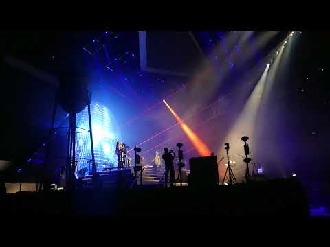 the killers + bernard sumner - 'bizarre love triangle' - live at the o2 - 28/11/17