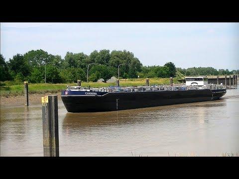 """TMS """"Charisma"""" auf der Ems bei Herbrum / Tank ship """"Charisma"""""""