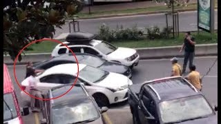 Bahçeşehir'de 3 kapkaççı, bankadan çıkan kadının çantasını alıp kaçmak istedi
