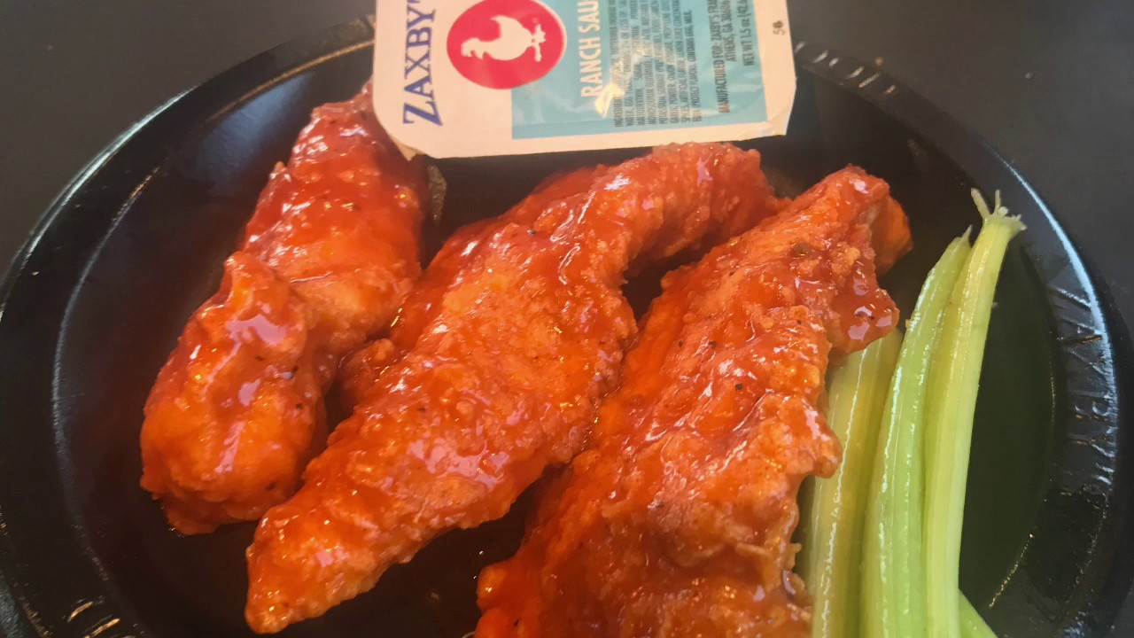 Zaxbys Buffalo Chicken Fingers Tongue Torched Youtube Chicken fingerz, bacon, green leaf lettuce, tomato, mayonnaise and american cheese on texas toast. zaxbys buffalo chicken fingers tongue