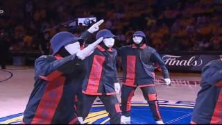 Video JABBAWOCKEEZ at the NBA Finals 2017. download MP3, 3GP, MP4, WEBM, AVI, FLV Mei 2018