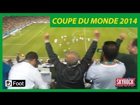 La joie des journalistes Algériens en tribune de presse Algérie - Russie