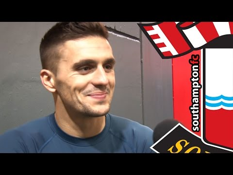 Tadić applauds fans after Old Trafford victory