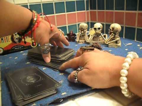 How to Read Tarot Cards - Beginners - Past Present Future