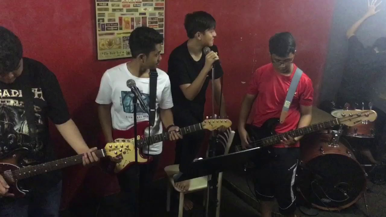 Muse - Hysteria cover by SPITFIRE - YouTube