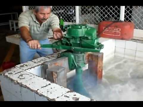 Prueba y desarrollo del motor fuera de borda de 5hp youtube for Fuera de borda pelicula
