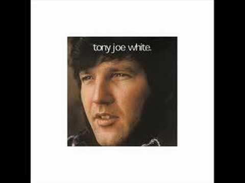 Клип Tony Joe White - (You're Gonna Look) Good In Blues