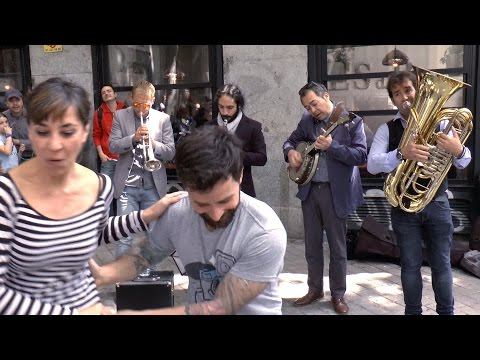 "Lavapiés All Stars Jazz Band: ""Bourbon Street Parade"" - Busking in Madrid"