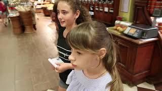 VLOG  Даша хочет синие волосы, Девочки покупают продукты на  пиццу