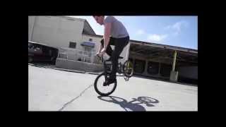 Трюки на велосипеде видео!!!(Трюки на велосипеде - экстрим прыжки. Увлекательное видео трюков на велосипеде. Как делать трюки на велосип..., 2015-10-25T16:09:40.000Z)