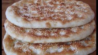 Пиде - турецкий плоский хлеб(Замечательный турецкий хлеб пиде. Попробуйте приготовить! Подробный рецепт здесь - http://pechemdoma.com/pide.html., 2012-10-08T19:04:42.000Z)
