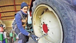 Réparation d'un pneu crevé sur le petit tracteur - 2019