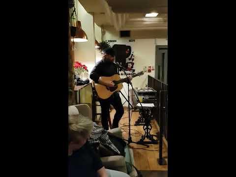 Scott Hutchison (Frightened Rabbit) - Free Fallin' (Tom Petty Cover)