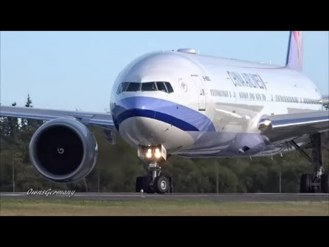 China Airlines Boeing 777-300ER Delivery Flight of B-18003 to Taiwan @ KPAE  Paine Field - YouTube