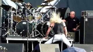 Twisted Sister - Under The Blade (Live - Download Festival, Donington, UK, June 2014)