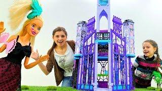 Кукла Барби стала  Монстер Хай!  Видео для девочек.