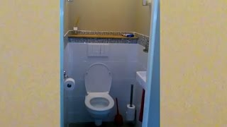 Klusvrouw Nicole bouwt een zwevend toilet
