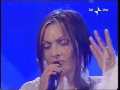 b00bfda9322 Anna Oxa - L eterno movimento - Sanremo 2001 - YouTube