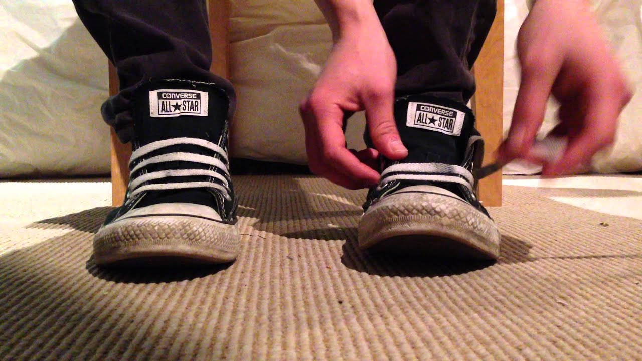 cca12c69156d How to bar lace Converse (loose laced) - YouTube
