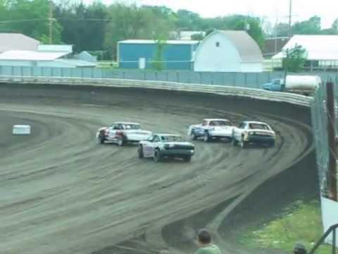 Jeremy Pundt Lee County Speedway heat race win 5-17-13 IMCA stock car
