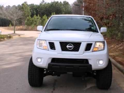 2010 Nissan Frontier Lifted Pro 4x W Navigation Wake