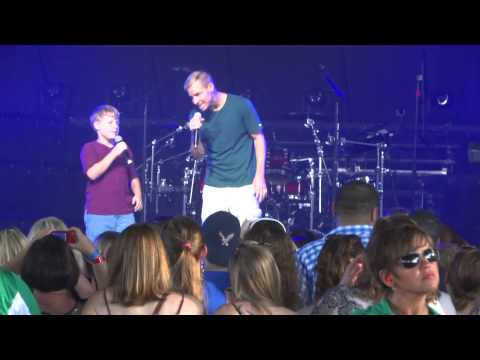 Brian Littrell & his son Baylee - live at Riverbend music center June 15, 2014 Mp3