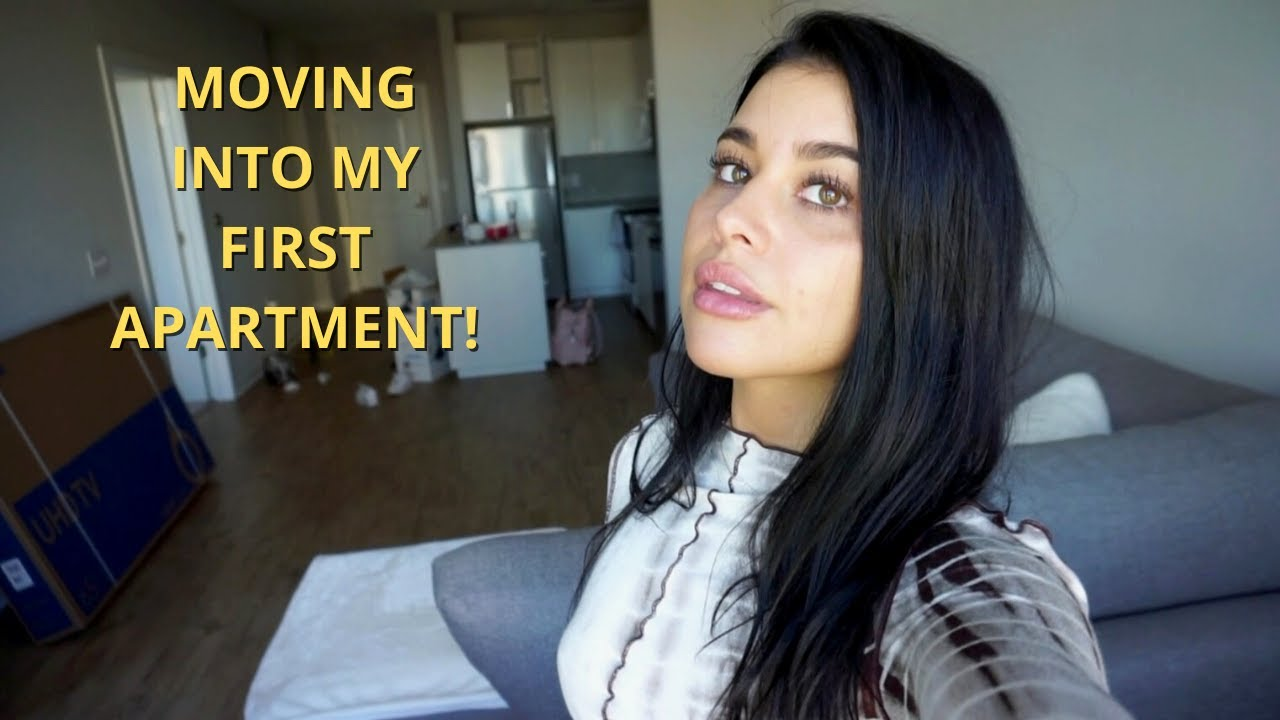 MOVING INTO MY FIRST APARTMENT *vlog*