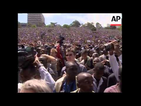 WRAP Thousands gather to inaugurate new president