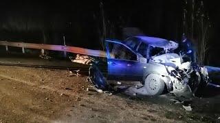 В Челябинской области иномарка залетела под грузовик. Погибли три человека