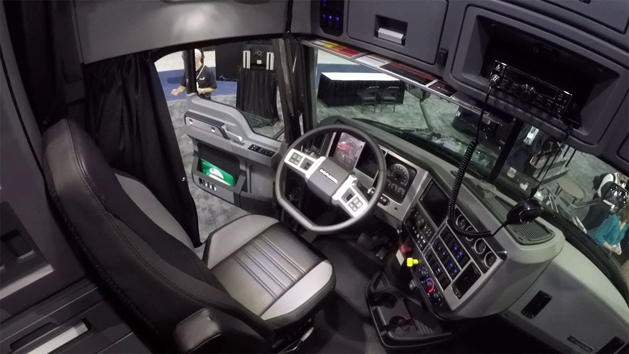 'Not a me-too truck': Inside the Mack Anthem cab