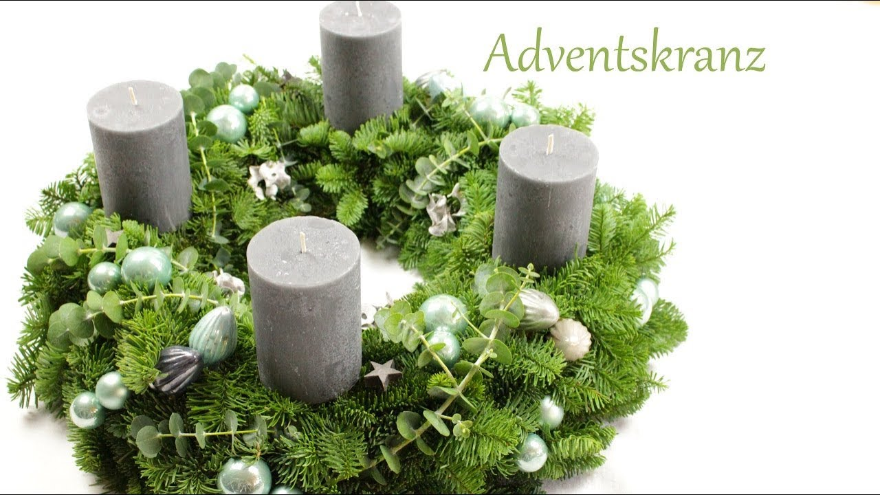 diy adventskranz salbeigr n mit grauen kerzen. Black Bedroom Furniture Sets. Home Design Ideas