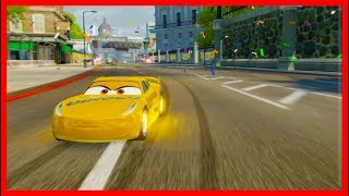 2 Lightning McQueens with Cruz Ramirez and Friends! Cars 3 Driven to Win