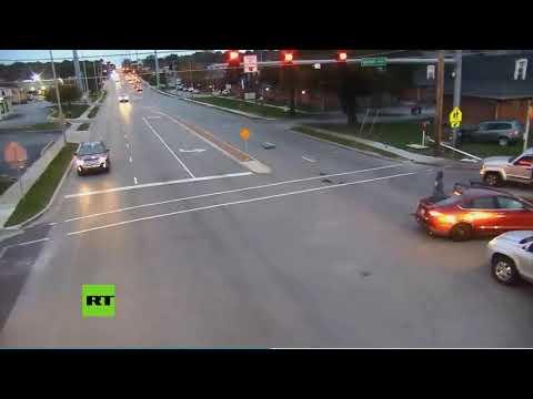 Se salta un semáforo y causa un accidente en el que fueron atropellados 4 niños