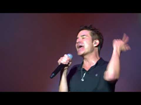 Train @ Manchester Apollo  - Play That Song 19.10.17
