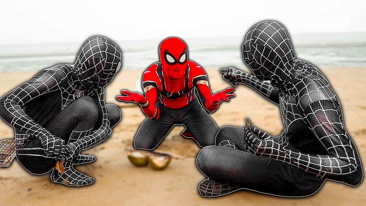 SPIDER-MAN vs DOUBLE VENOM In Real Life   Battle On The Beach   Người nhện và Venom đi biển
