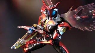 R66 Bandai S.H. Figaurts Kamen Rider Kabuto Hyper Form Action Figure Review
