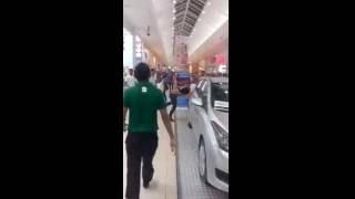 Briga na agencia de automoveis no Norte Shopping