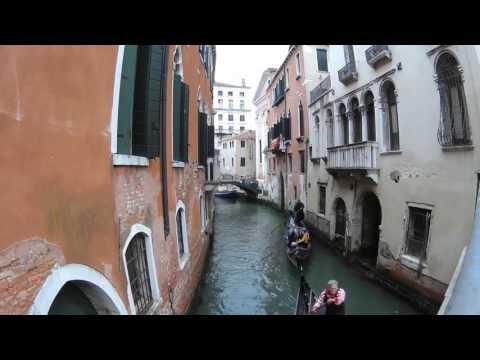 Venice - Gondolier singing