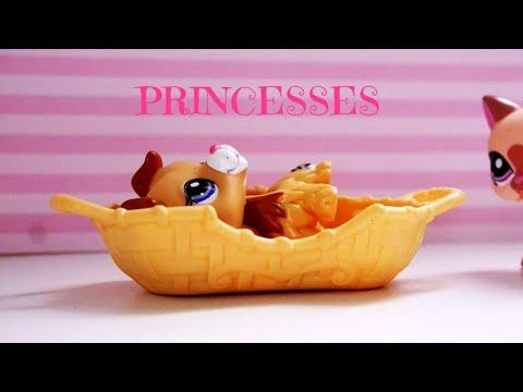 LPS: 10 Weird Things Disney Princesses Do!
